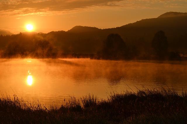mlha nad rybníkem