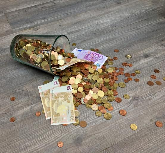 peníze ze skleničky