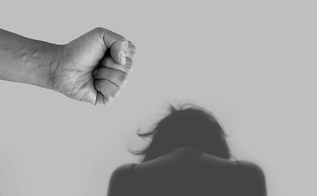 násilí páchané na ženě